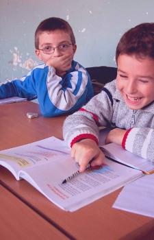 """""""Che Nessuno Vada Perso"""": contro la dispersione scolastica nell'area Nord di Napoli"""