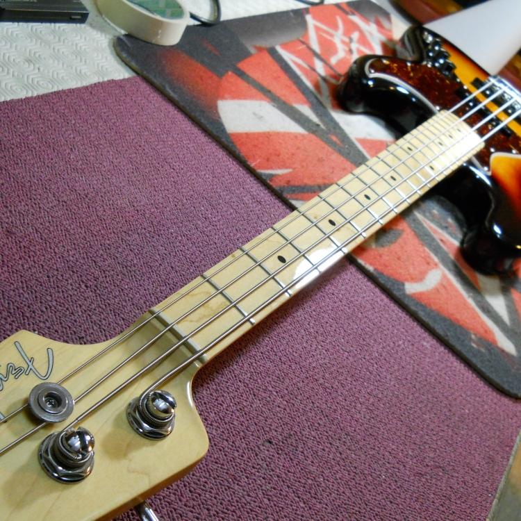 jazz-bass-restauro-cassa-10